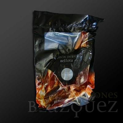 Comprar Jamón Ibérico de Bellota Blázquez, Deshuesado. Cerdo Ibérico alimentado con bellota en montanera. Producto Gourmet Artesanal de Salamanca.