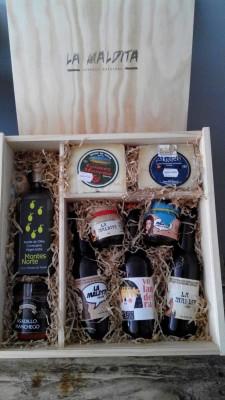Lote regalo Cerveza Artesana y Gelée Artesanal de Cerveza. Aceite de oliva, queso de oveja y asadillo manchegos. Producto Gourmet y Delicatessen Ciudad Real